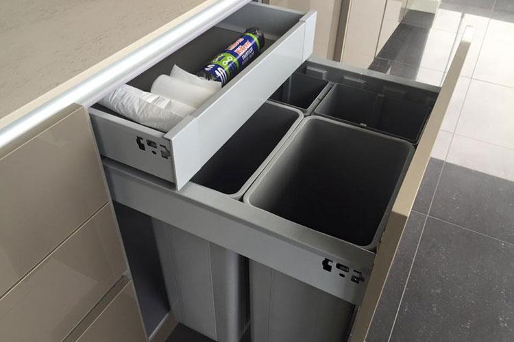 feature-bins